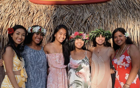 Class of 2019 Ohana Bond at Senior Luau