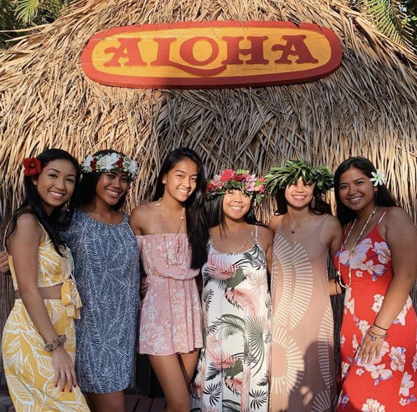 Class of 2019 Ohana Bond at Senior Luau