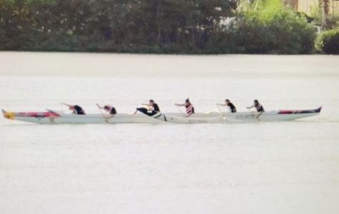 The JV Girls Paddling team races at Waimanalo Beach. (Photo Courtesy of Alyssa Tabor)
